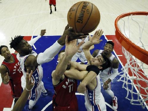 Jared Sullinger makes debut for Toronto Raptors in 94-89 loss to Philadelphia 76ers