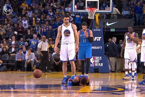 Explain One Play: Zaza Pachulia pick and roll with Curry and Durant