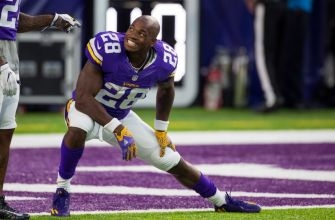 Adrian Peterson names three teams he wants to play for next season