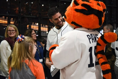 Tigers Caravan: Players on the road, meeting fans across the state