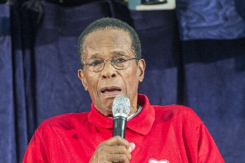 "Rod Carew doing ""great"" after heart and kidney transplant"