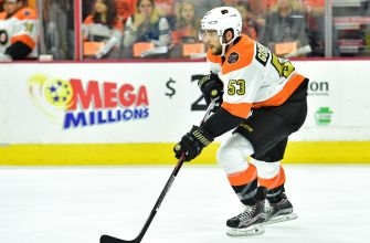Philadelphia Flyers: Hakstol Singlehandedly Ruining Gostisbehere