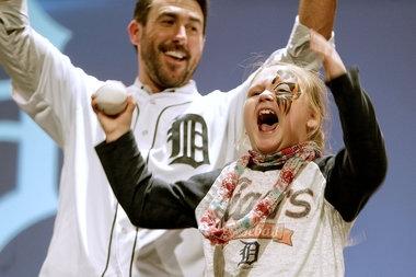 In Miguel Cabrera-Justin Verlander 'dance-off,' the kids win