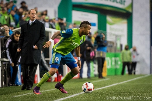 Tyrone Mears says goodbye to Sounders fans