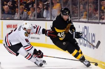 Blackhawks beat Bruins 1-0 on Marian Hossa's late goal