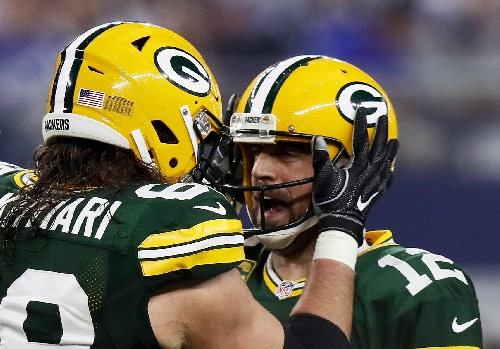 "Packers OL aim to block ""to infinity"" when Aaron Rodgers on move"