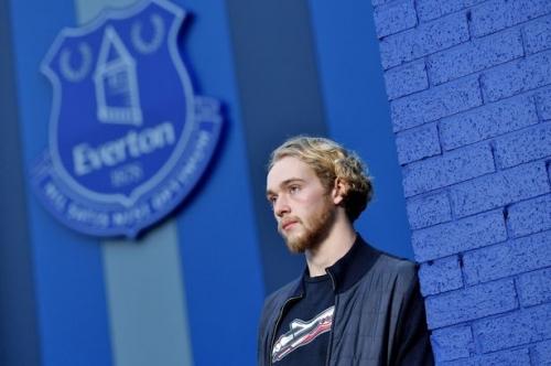 Carragher: Tom Davies needs to buck the Everton academy trend