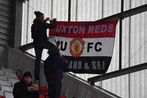 Blind, Fellaini and Mata all start as United take on Stoke