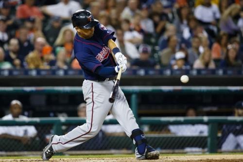 Braves finalizing deal to sign catcher Kurt Suzuki, per report