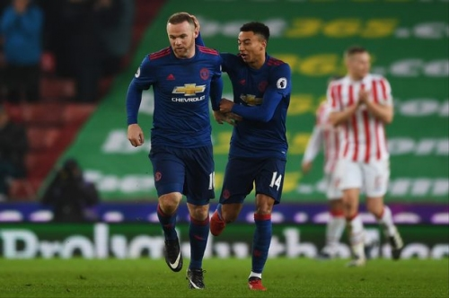 Wayne Rooney breaks record to salvage point for poor Manchester United vs Stoke