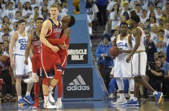 Kobi Simmons leads Arizona Basketball with signature win over UCLA