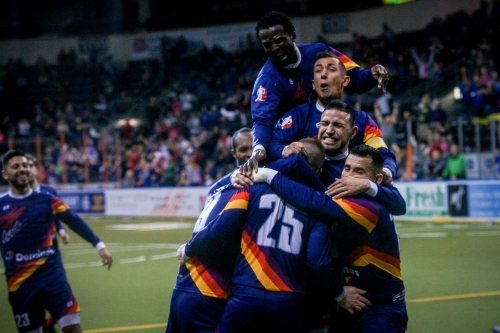 Comets stage dramatic comeback for win over Syracuse