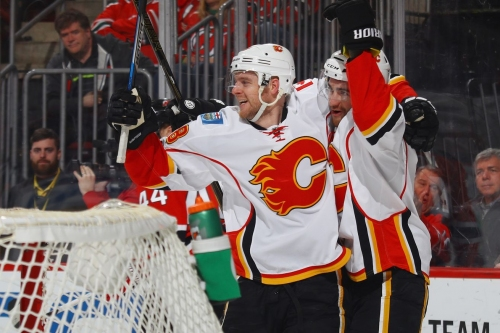 Brodie's Four Assists Helps Flames to Victory