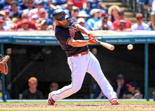 Source: Cleveland Indians slugger Mike Napoli, Rangers working on another reunion