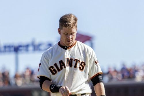 Giants re-sign Gordon Beckham to minor-league deal