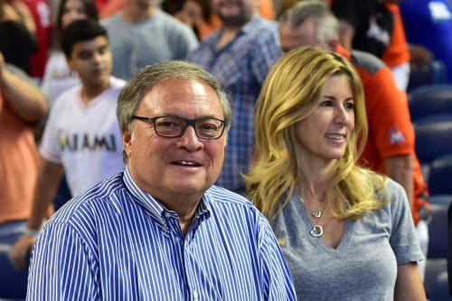 Marlins have 'handshake agreement' to sell team, per report