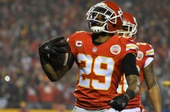 Chiefs' Dorsey says talks with Berry, Poe 'very positive'