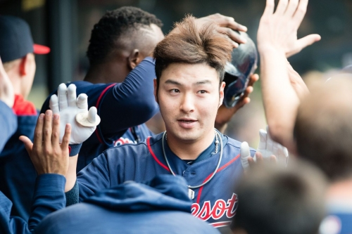 Byung Ho Park clears waivers