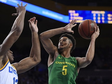 Oregon Ducks bring a lot of mileage into key game with USC