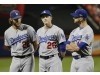 Chase Utley agrees to contract to return to Dodgers