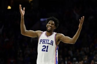 76ers' Embiid can't play but can dance
