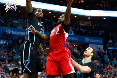 Hornets fall to Clippers at home, 107-102