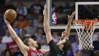 Griffin, Rivers lead Clippers to 107-102 win over Hornets