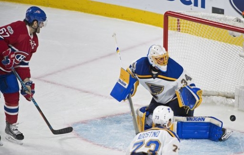Berglund gets hat trick, lifts Blues over Canadiens 4-2 The Associated Press