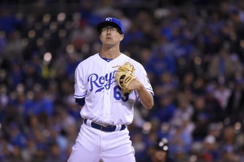 AL Central: Royals trade Alec Mills to Cubs