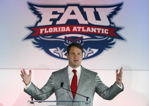 Howard Schnellenberger says FAU brings 'well-respected' name to team in Lane Kiffin