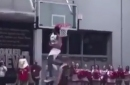 Zion Williamson does his best Vince Carter impersonation with vicious 360-windmill jam