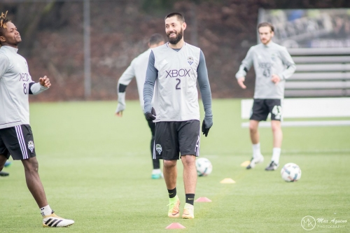 Clint Dempsey officially cleared to play for Sounders