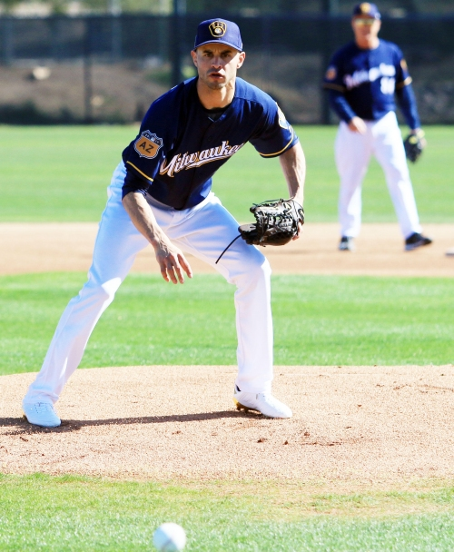 Brewers count on Carlos Torres to be a bullpen ace again