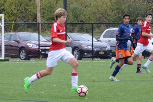 Highly-rated midfielder verbally commits to Penn
