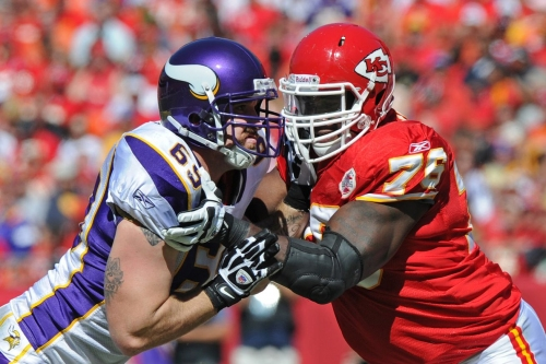 Branden Albert will reportedly hit free agency again 3 years after he left Chiefs