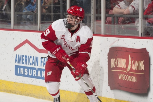 No. 20 Wisconsin men's hockey beats Michigan 5-2