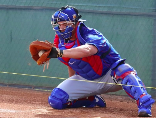 Out on a limb: How Schwarber might handle catching after injury