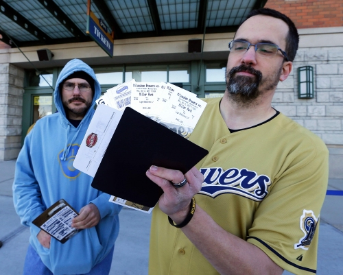Fans flock to Brewers box office for first tickets