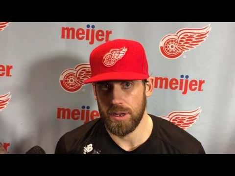 Good goaltending, strong special teams help Red Wings end five-game losing streak