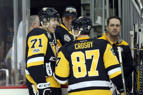 Sidney Crosby and Evgeni Malkin score, Pittsburgh Penguins win