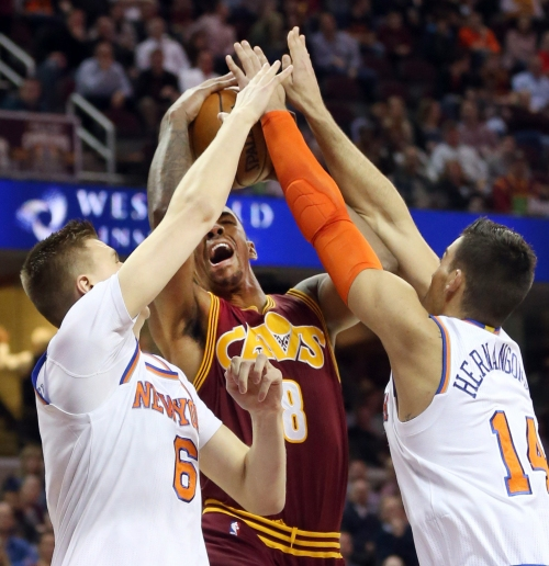 LeBron James' latest triple-double leads Cavs past Knicks, 119-104