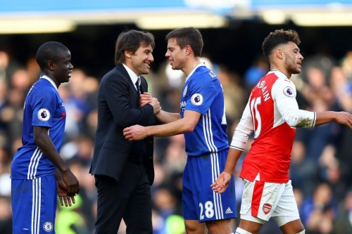 Conte: César Azpilicueta is incredible, 'one of the best in the world in this role'