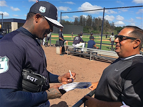 WATCH: Yankees' closer Aroldis Chapman almost hits prospect in BP, signs autographs