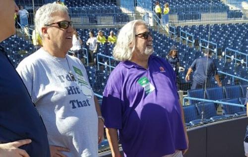 Rex Ryan takes in Yankees game wearing 'I'd Hit That' T-shirt