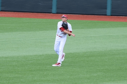 Indiana uses pitching and power to drop Florida Atlantic, 8-4