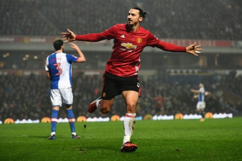 Zlatan Ibrahimovic's Man United contract talks 'stall' over Champions League fears