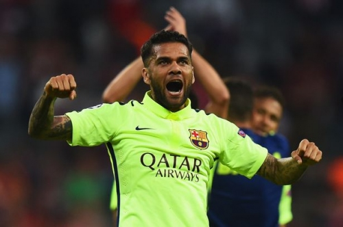 Dani Alves wants Man City move - and other transfer talk