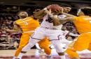South Carolina manhandles Tennessee, 82-55