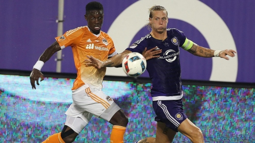 Whitecaps trade Giles Barnes, acquire Brek Shea from Orlando City