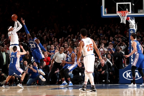 Carmelo's last-second shot saves Knicks from brutal loss